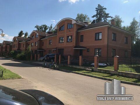 Таунхаус 225,6 кв. м с.Озерецкое, ул. 1-я Заповедная, д. 3, строение 5 - Фото 1