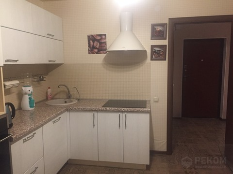 2 комн. квартира с ремонтом в новом доме, ул. Газовиков, Европейский - Фото 1