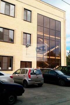 Торгово-офисное помещение 140,5 кв.м. на 1 этаже офисного здания на. - Фото 1