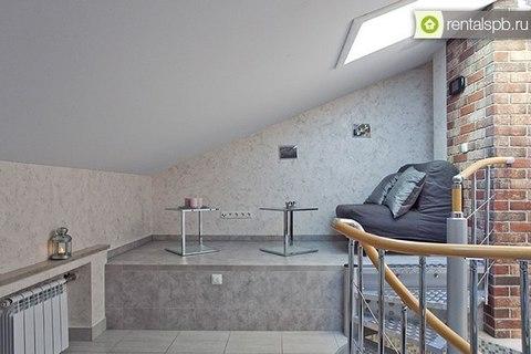 Двухуровневая квартирка с мансардой и отдельным входом в центре - Фото 3