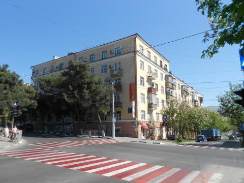 Просторная 3-я Сталинка в Самом Центре Новороссийска - Фото 1