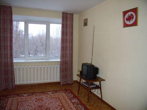 2 340 000 Руб., Трехкомнатная, город Саратов, Купить квартиру в Саратове по недорогой цене, ID объекта - 319528928 - Фото 1