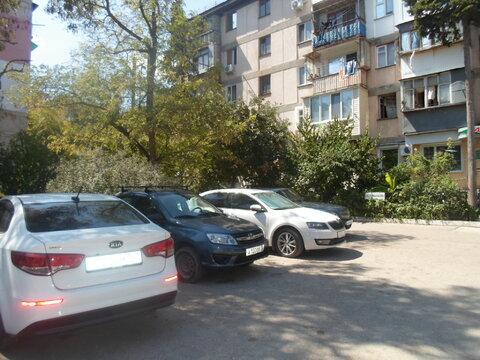 Золотая осень в 2-х комнатной квартире в тихом Центре Севастополя - Фото 2