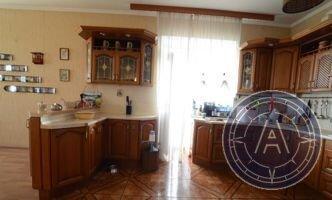 4-к квартира Макаренко, 1а, Купить квартиру в Туле по недорогой цене, ID объекта - 321391729 - Фото 1