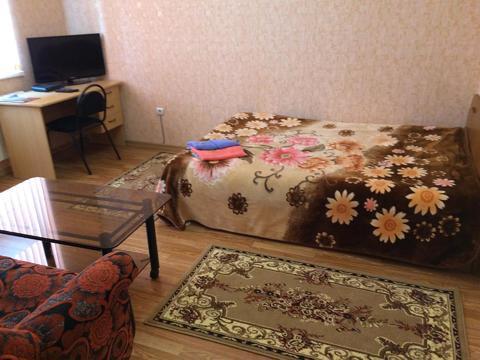 Квартира посуточно по ул.Нежнова - Фото 1