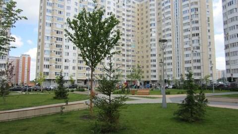 Продам 2-к квартиру, Внуковское п, улица Самуила Маршака 8 - Фото 1