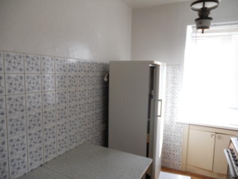 Продается 2-комнатная квартира на 5-м этаже в 5-этажном кирпичном доме - Фото 2