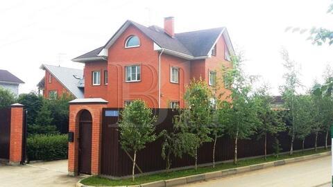 Просторный и приветливый дом для большой семьи 523 кв.м в п.Вешки . - Фото 1