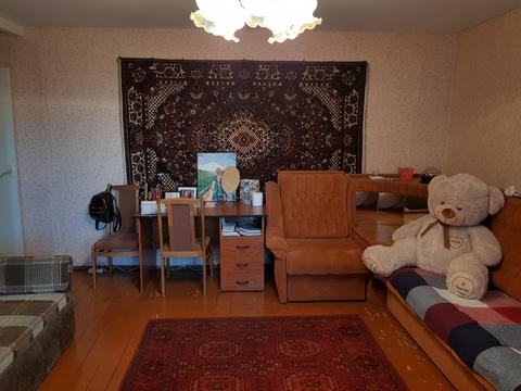 Продам недорогую 3ккв частично с мебелью Октябрьская наб. - Фото 2