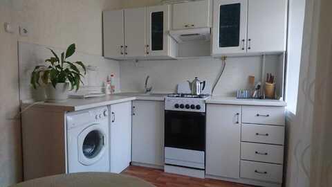 Двухкомнатная квартира на ул. Асаткина дом 34 - Фото 1