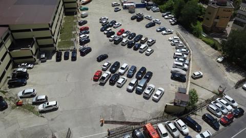 Аренда машиноместа в центре на открытой парковке