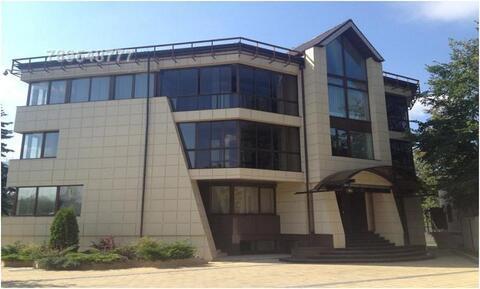 Домовладение расположено в 7 км от МКАД на Рублево-Успенском шоссе, в - Фото 1