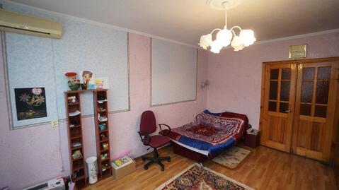 Трехкомнатная квартира улучшенной планировки в центральном районе. - Фото 1