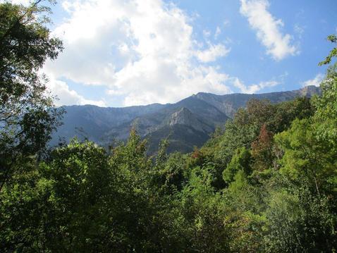 Продам 10 соток в Ялте, р-н Поляны Сказок, с красочным видом на горы.И - Фото 1