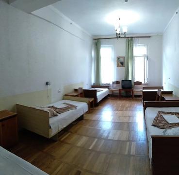 Объявление №58883643: Сдаю комнату в 9 комнатной квартире. Алушта, ул. Ленина, 55,