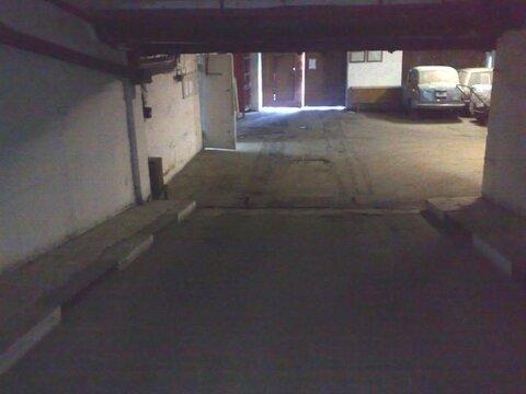 Машиноместо в многоэтажном охраняемом паркинге в ГСК отапливаемый - Фото 3