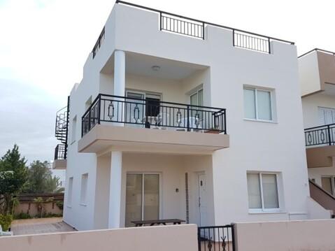 Прекрасный трехкомнатный Апартамент с террасой на крыше в Пафосе - Фото 1
