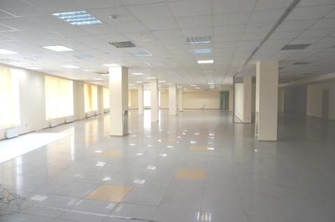 852 кв.м. - торговое помещение на 1-м этаже с отдельным входом. - Фото 5