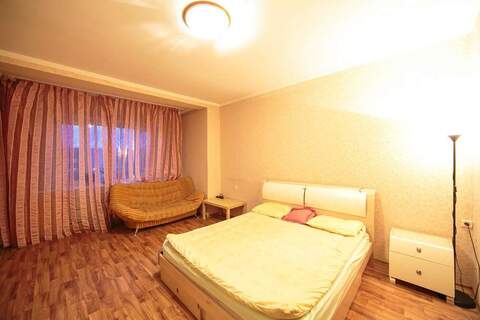 Посуточно: 1 комн. апартаменты, 42 кв.м, Сургут - Фото 1