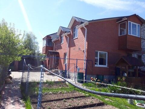 Продажа двух жилых домов с коммуникациями на одном участке - Фото 1