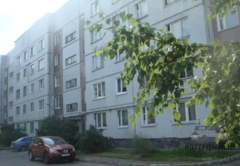 Продам двухкомнатную квартиру на торговой стороне, Парковая, 14к1 - Фото 1