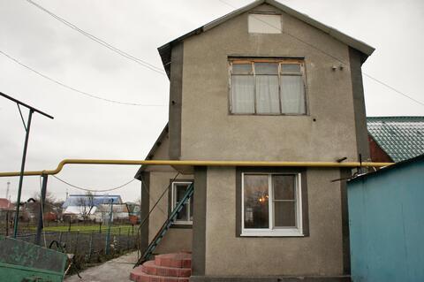Продам 2 этажный дом в хорошем состоянии. Расположен в городской черте - Фото 1