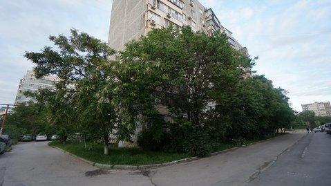 Купить квартиру в Новороссийске, в Южном районе. - Фото 1