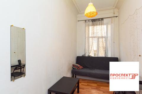 Продам комнату 11,6 кв.м в малонаселенной 4-к. квартире на Блохина, 3 - Фото 1