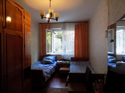 Комната в двухкомнатной квартире пер. Свердлова. - Фото 1