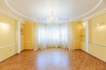 Продажа квартиры, Астрахань, Ул. Шаумяна - Фото 1