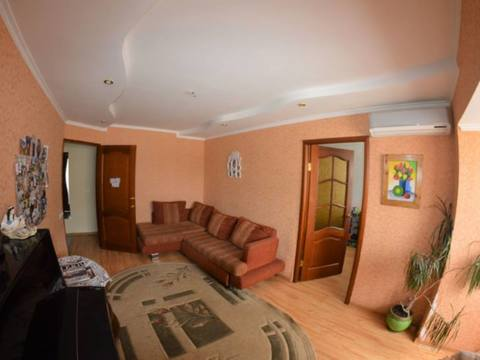 Продажа трехкомнатной квартиры на Первомайской улице, 39 в Черкесске, Купить квартиру в Черкесске по недорогой цене, ID объекта - 320232708 - Фото 1