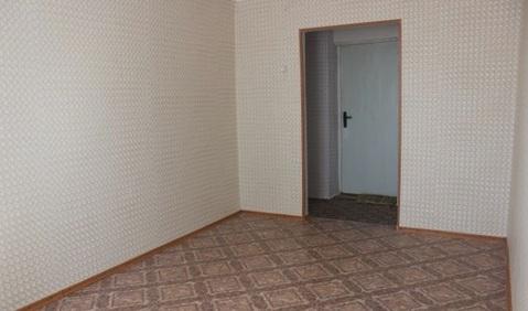 Продам комнату в коммунальной квартире на Подводников 8 - Фото 1