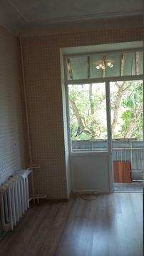 В центре комната в 3 комнатной квартире - Фото 1