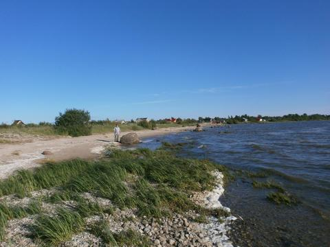 Участок у озера - Фото 1