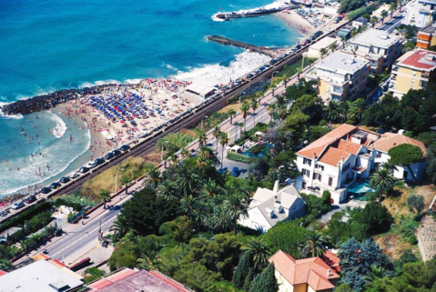 Продается отель 4 * в Сан-Ремо, Лигурия, Италия