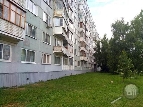 Продается 2-комнатная квартира, пр-т Строителей - Фото 1