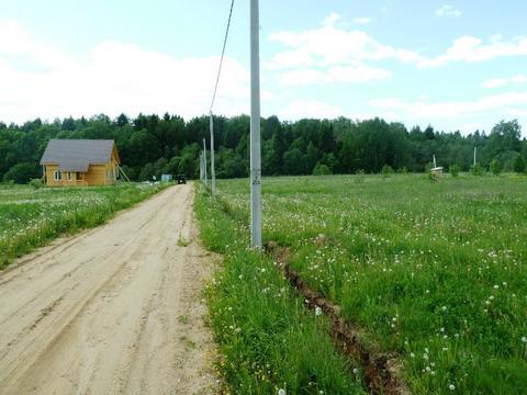 Великолепный участок в жилой деревне. - Фото 2