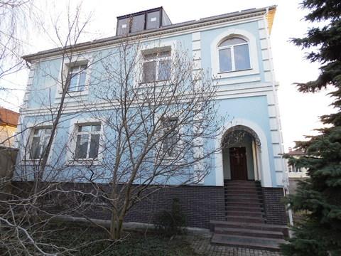 Два дома на ул. Залесской общ.пл. 750 м.кв .на участке 19 соток - Фото 1