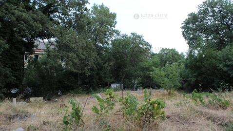 Ровный участок 10 соток в жилом районе Алупки - Фото 3