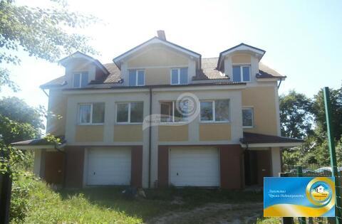 Продается доля дома, площадь строения: 213.20 кв.м, площадь участка: . - Фото 1