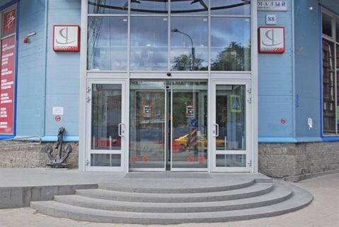 Сдам торговое помещение 2089 кв.м, м. Приморская - Фото 1