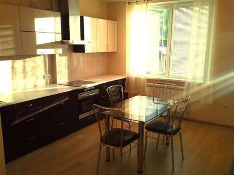Сдается красивая 2 комнатная квартира в центре (новый дом), Аренда квартир в Ярославле, ID объекта - 304510673 - Фото 1