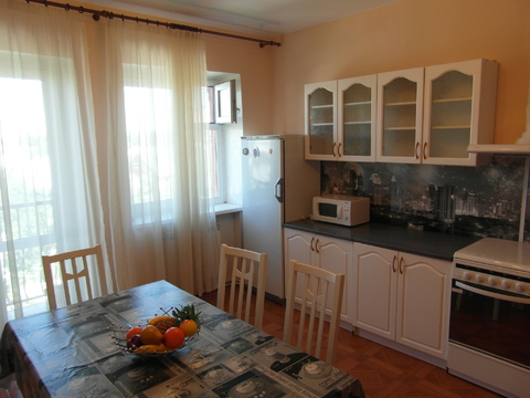 Аренда 3-комнатной квартиры на ул.Сергея Лазо - Фото 1