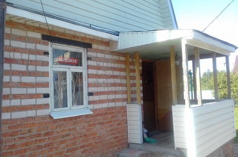 Двухэтажный кирпичный дом на участке 6 соток в пгт. Малино. Дом распол - Фото 4