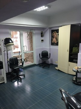 Действующая парикмахерская в жилом районе Ялты - Фото 4