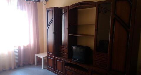 3-ая квартира с косметическим ремонтом, чистая.Частично мебелированна . - Фото 4