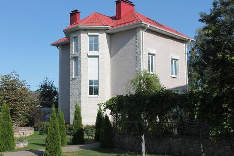 Продаю жилой комплекс из 3 домов общ.пл. 600 кв.м. в живописном месте - Фото 1