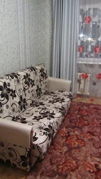 600 000 Руб., Продаю комнату-секц. с новой мебелью в юзр по ул.Социалистическая, 13а, Купить комнату в квартире Чебоксар недорого, ID объекта - 700780220 - Фото 1