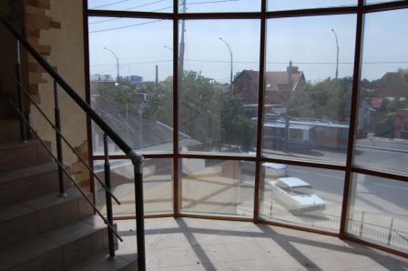 Целое здание 951 кв.м по ул. Северная в Краснодаре - Фото 2