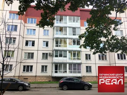 Отличная квартира в центре Гатчины на Киргетова 5 - Фото 1
